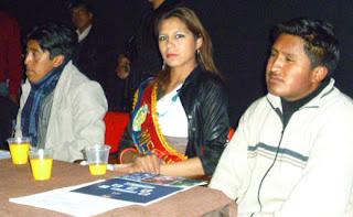 Universitarios y colegiales de El Alto respaldan la marcha por el TIPNIS