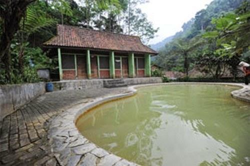Pemandian Air Panas Ciparay Bogor