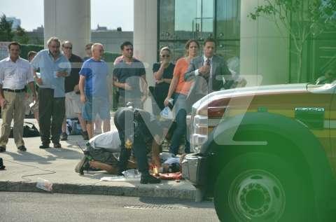 clever bulletin kristin chenoweth injured on nyc set of