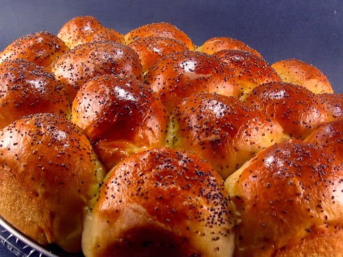 ... Bite: Keep On Rolling - My Recipe Rotation - Buttermilk Yeast Rolls