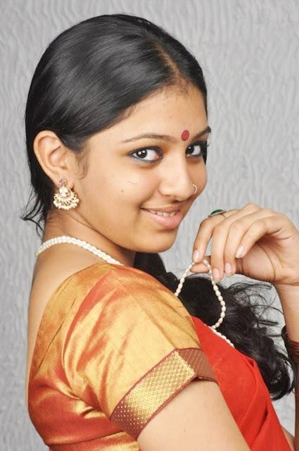Kumki-Heroine-Lakshmi-Menon-Stills
