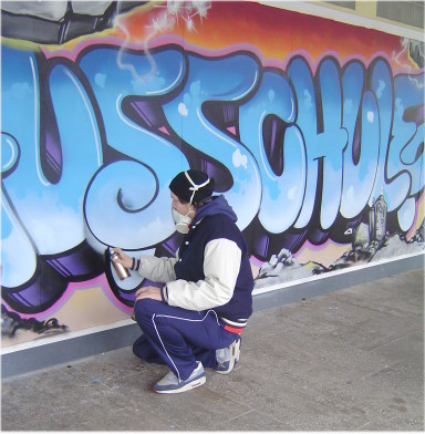 commercialization of the graffiti subculture This article studies the mediatization of criminal and deviant subcultures by analyzing the media-related practices of graffiti writers and skaters in ghent, belgium.