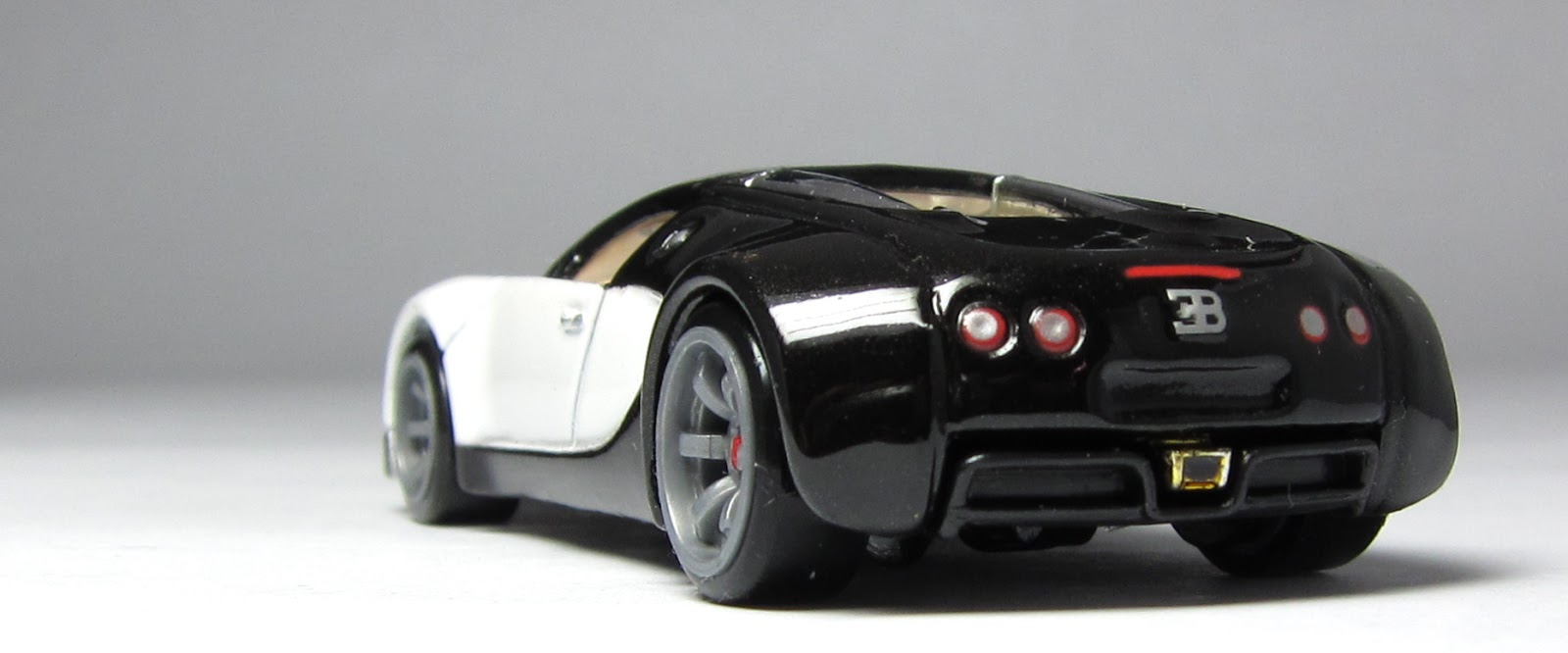 car lamley group model of the day hot wheels speed machines bugatti veyron. Black Bedroom Furniture Sets. Home Design Ideas