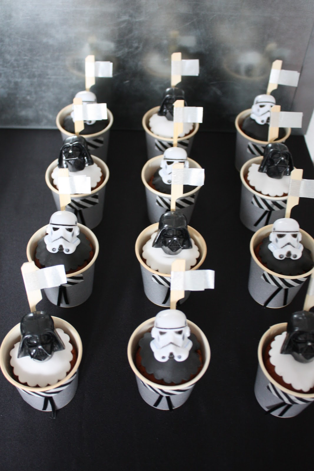 Das kleine weisse haus star wars birthday party for Star wars deko