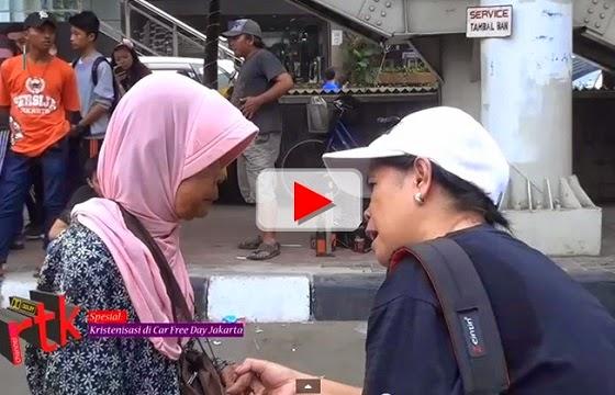 Video aksi kristenisasi di car free day Jakarta