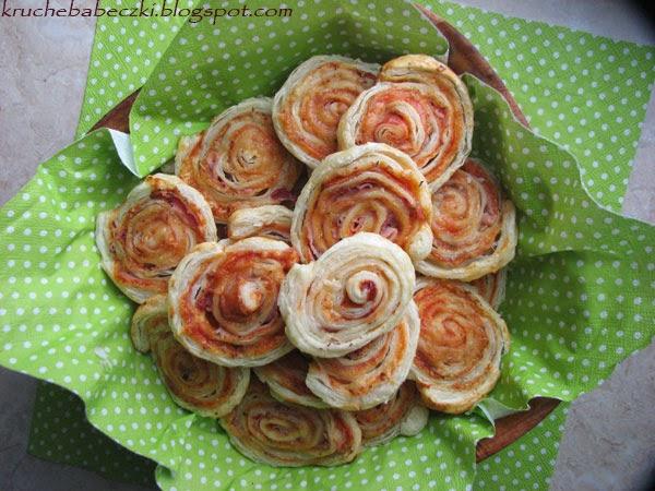 Ślimaczki z ciasta francuskiego z szynką :)