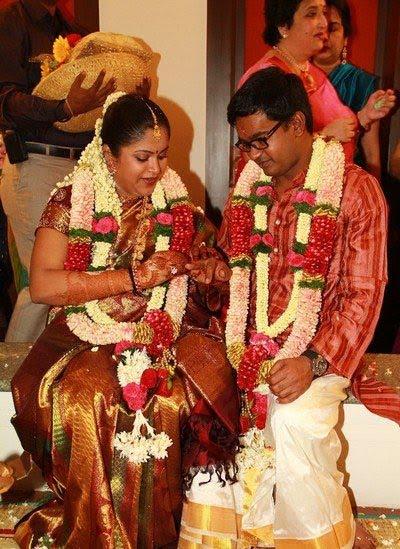 Latest wedding photo gallery selvaraghavan wedding exclusive stills