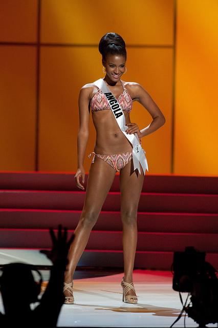 Miss Universo bikini