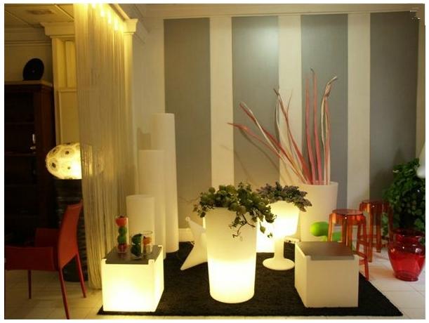 Disenyoss decoracion noches luminosas en el jardin for Decoracion jardin noche