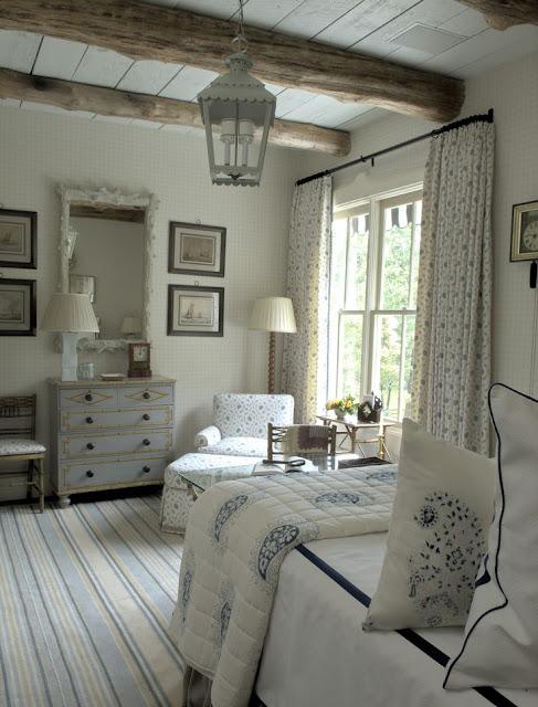 Интерьеры спален из льна