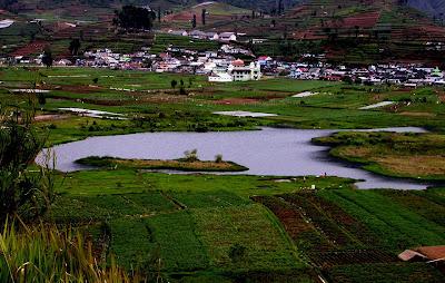 Mengunjungi Kahyangan di Tanah Jawa