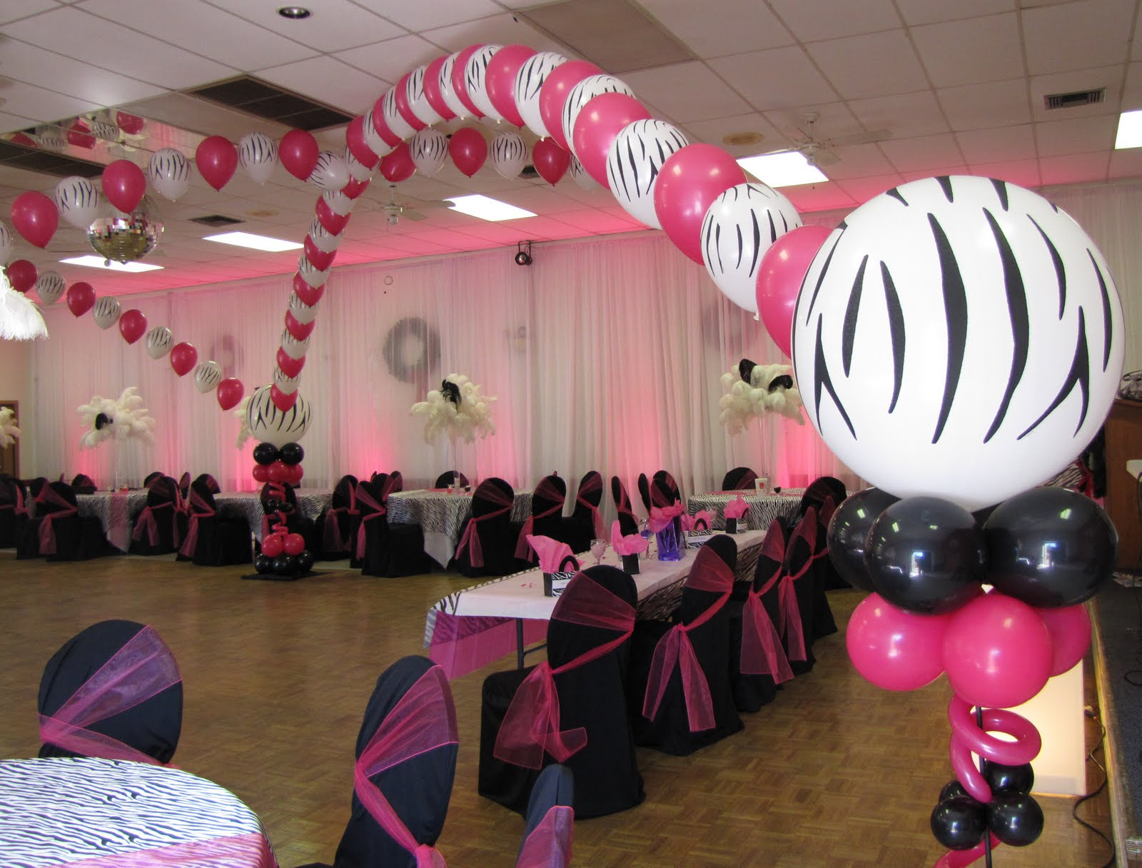 Party people event decorating company zebra sweet 16 for Balloon decoration ideas for sweet 16