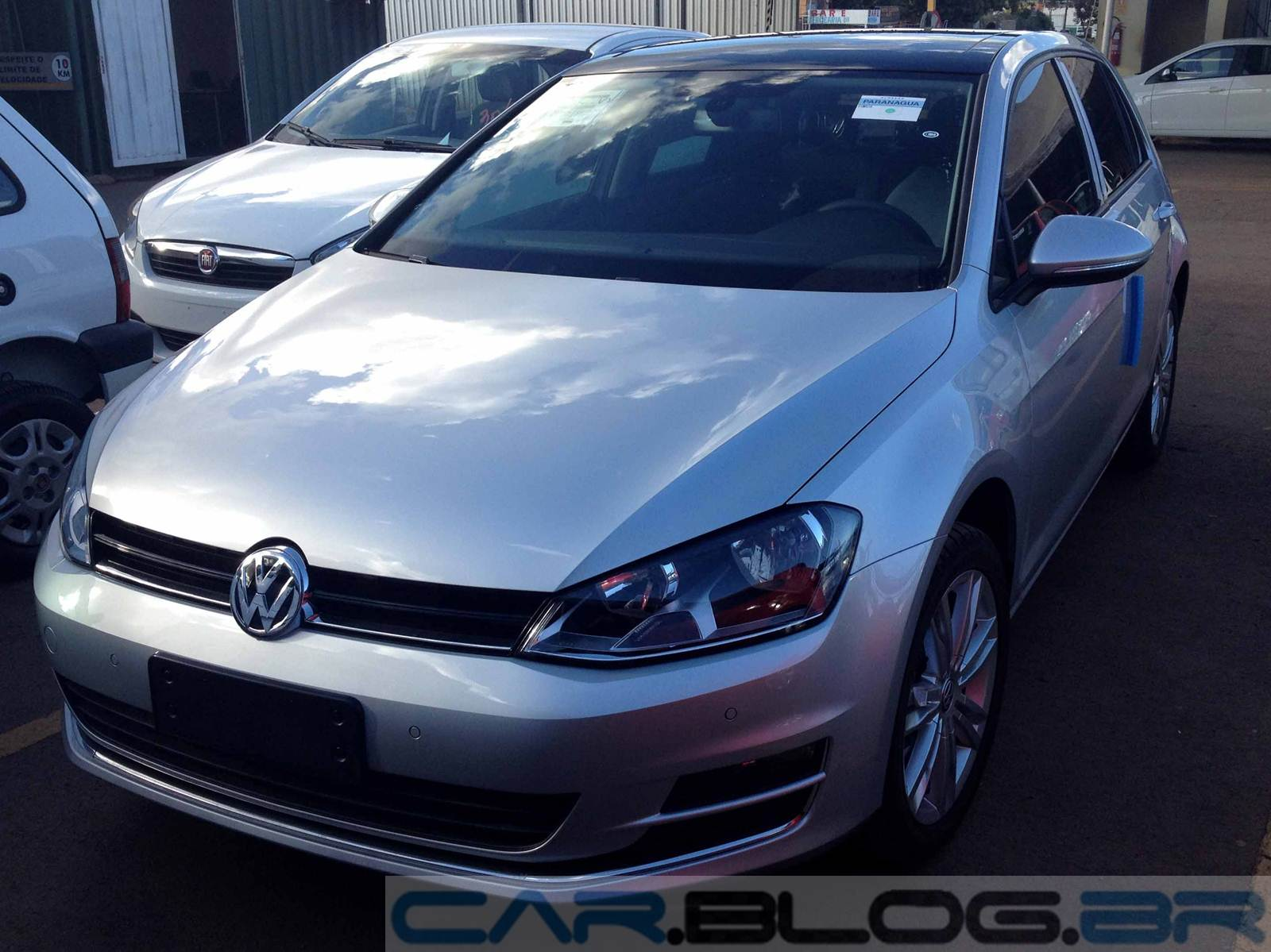 VW Golf Highline 2015 - Prata