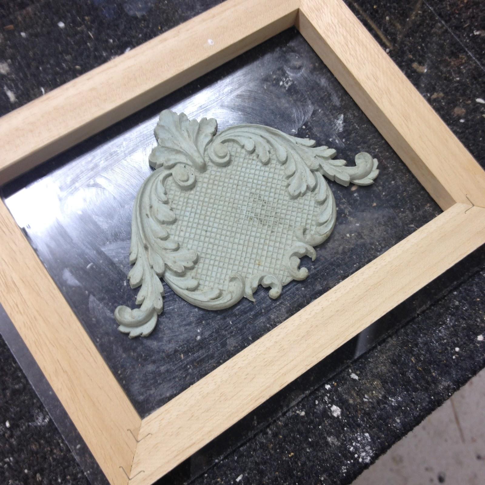 Framemaker making a hard plaster mould