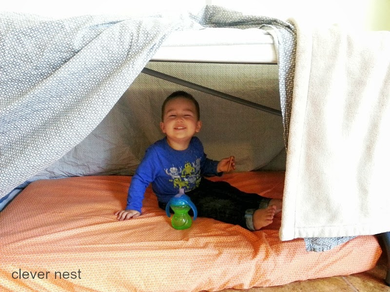Building forts, 22 ideas to keep Toddlers Busy during pregnancy #preschool #99cent #clevernest #blanket #free