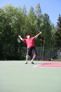 Tennistunteja sopimuksen mukaan e-mail: tennisvalmentaja@gmail.com