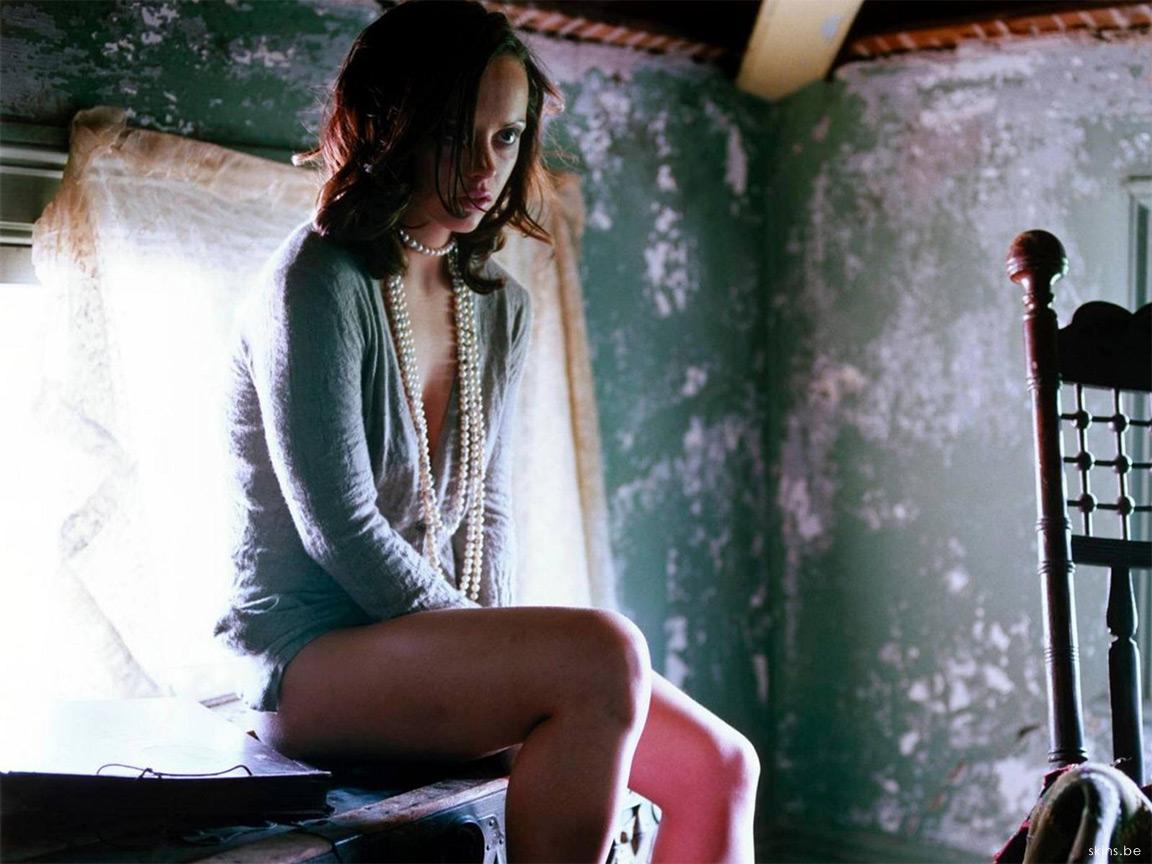 http://3.bp.blogspot.com/-90g_e2aNkLE/TmcD3DCZ5rI/AAAAAAAAAGg/920DTX194fk/s1600/Christina%2BRicci%2B%25286%2529.jpg