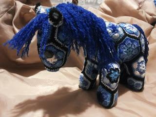 pony amigurumi african flower