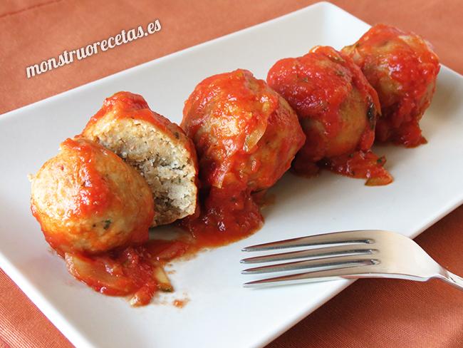 Albondigas de avena con salsa de tomate