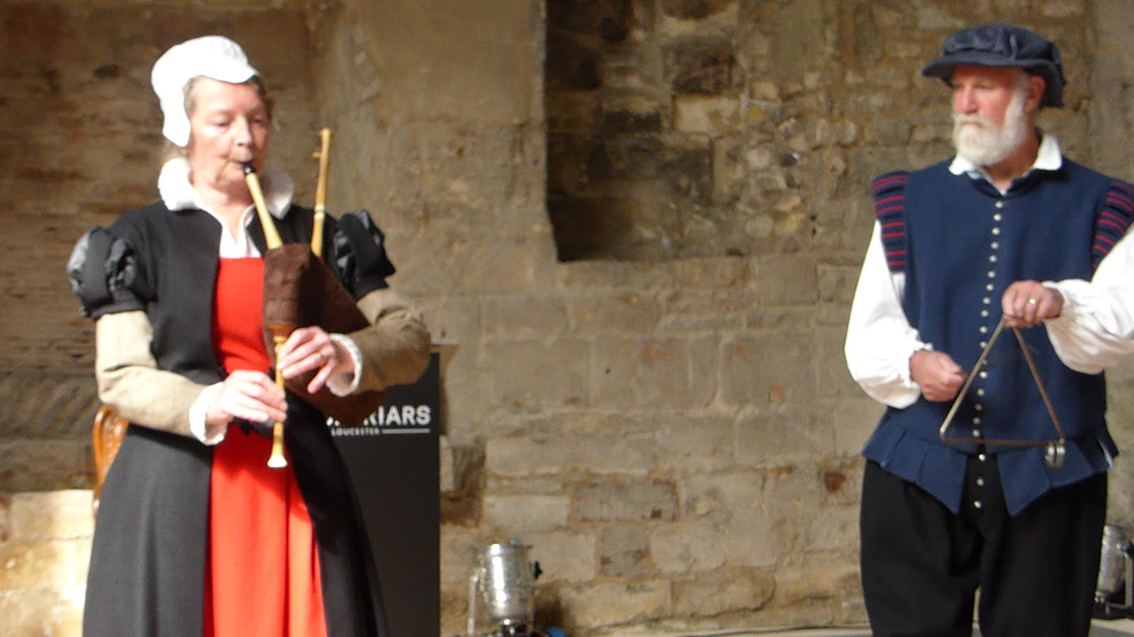 English Bagpipes and mediaeval triangle