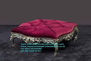 Jual mebel ukir jepara,sofa ukir jati jepara,Sofa ukir jepara Jual furniture mebel jepara sofa tamu klasik sofa tamu jati sofa tamu antik sofa tamu jepara sofa tamu cat duco jepara mebel jati ukir jepara code SFTM-22041