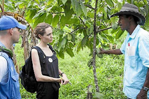 Angelina Jolie visitó a desplazados colombianos