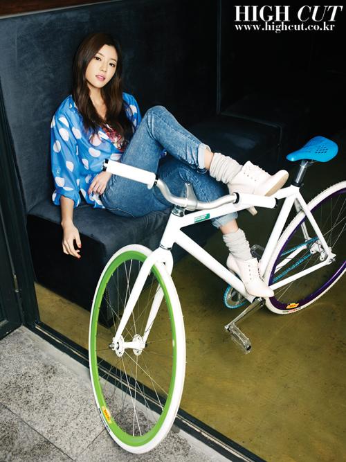 df3abff5272c078b hajiwon highcut 28 7 High colour fun with United Colors of Benetton Korea