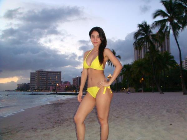 rr enriquez sexy in yellow bikini 1
