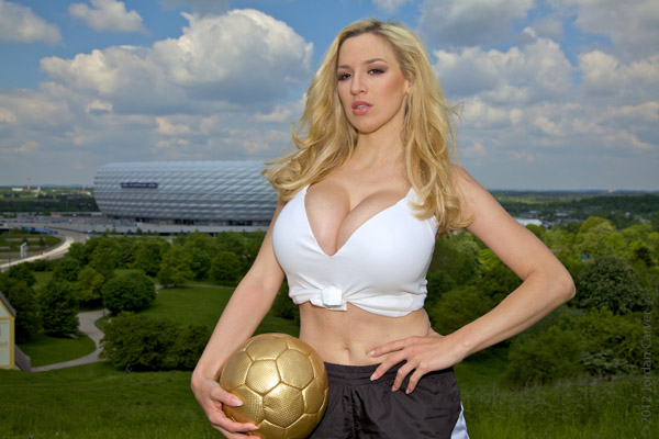 Jordan Carver Adora Futebol