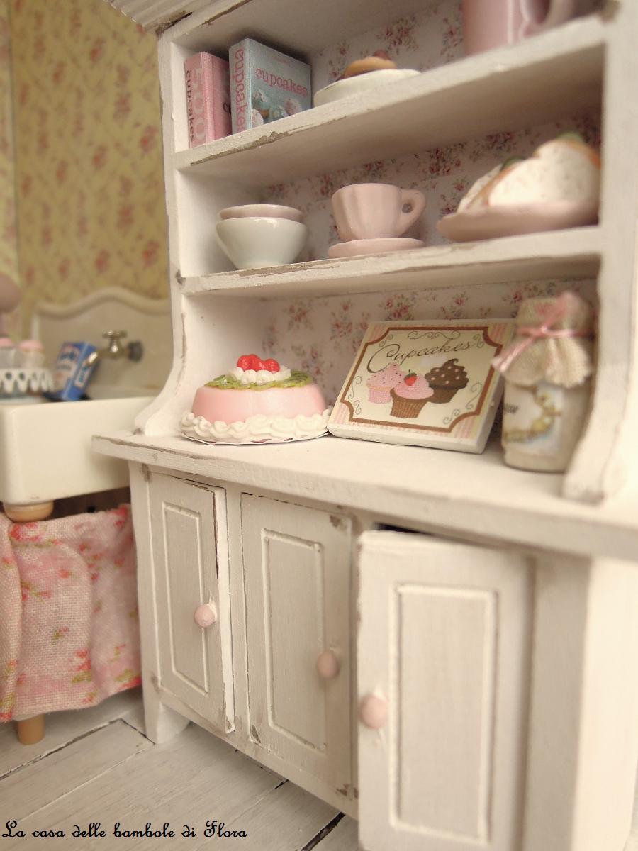 La casa delle bambole di flora 500 13 giveaway for 2 500 m di progetti di case aperte