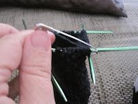 rękawiczki na drutach jak zrobić