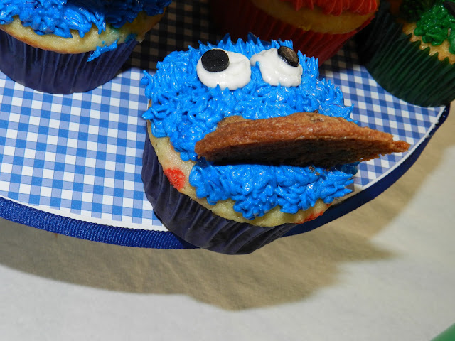 Sesame Street Twins Birthday: Cookie Monster Cupcake