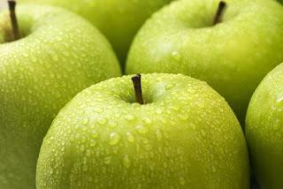 zöld almák