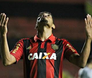 Bahia anuncia Hernane