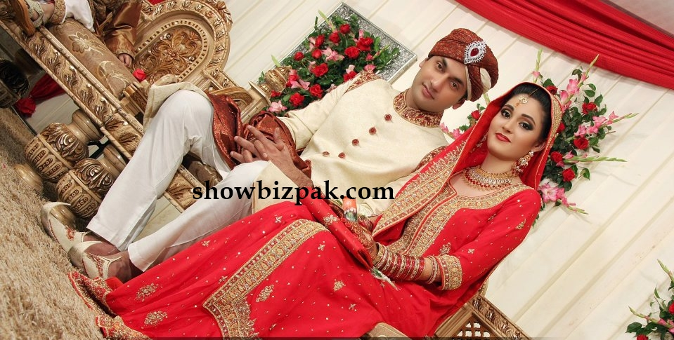 Babar Ali Wife http://www.showbizpakblog.com/2012/01/actor-faiq-khan-wedding-shaadi-pics.html
