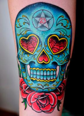 Tatuagens no Braço Femininas de Caveira