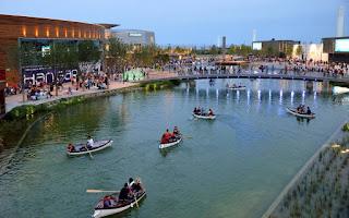 Crítica a los horarios de verano de Puerto Venecia