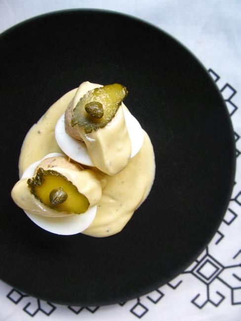 tuna stuffed eggs