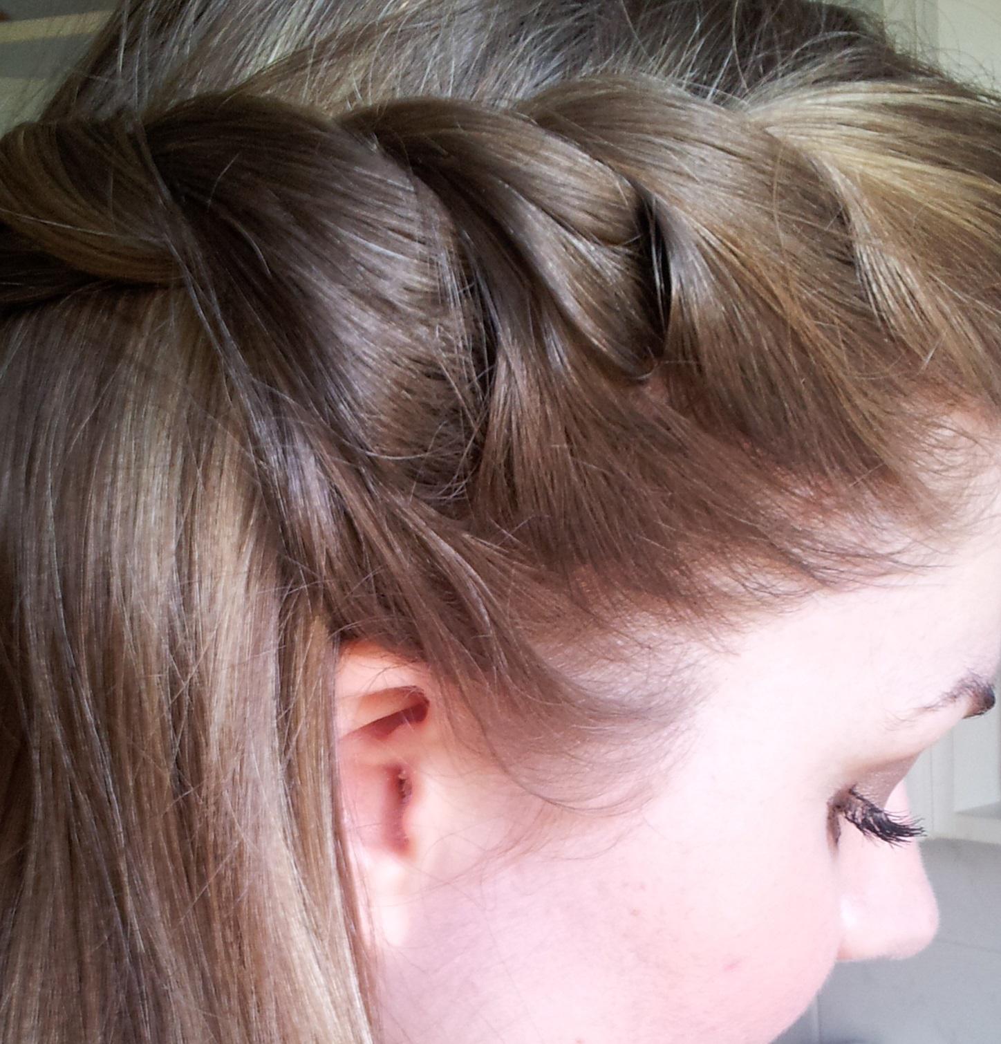 Haare eingekordelt