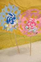 Snowflake Lollipops