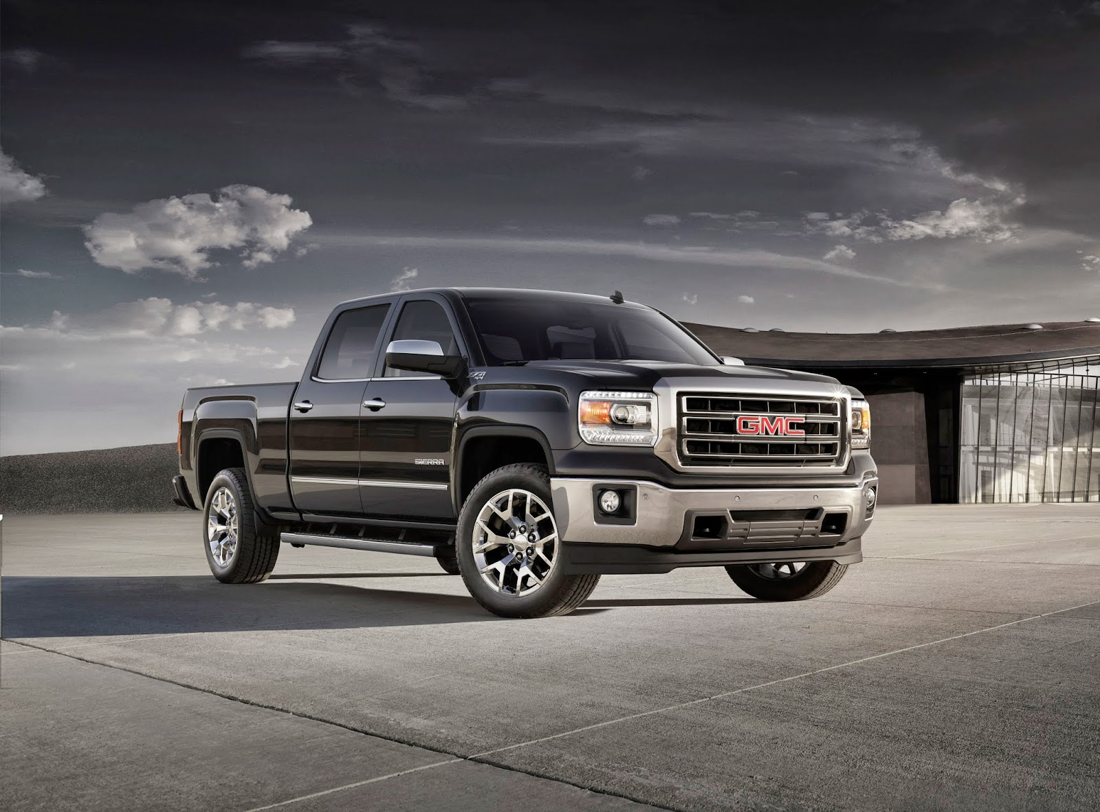 Front 3/4 view of 2014 GMC Sierra