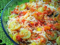 Bifum ao Molho de Tomates com Maxixe (vegana)