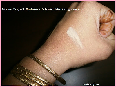 Lakme Perfect Radiance Intense WhiteningTM Compact swatch