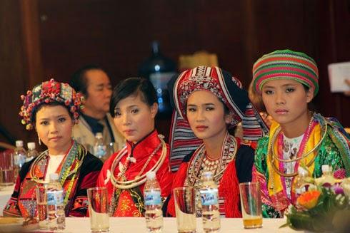 Trang phục dân tộc H Mông