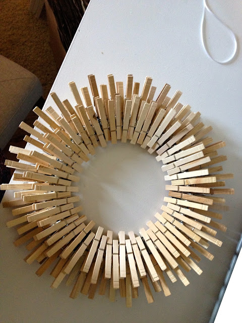 starburst wreath with clothespins