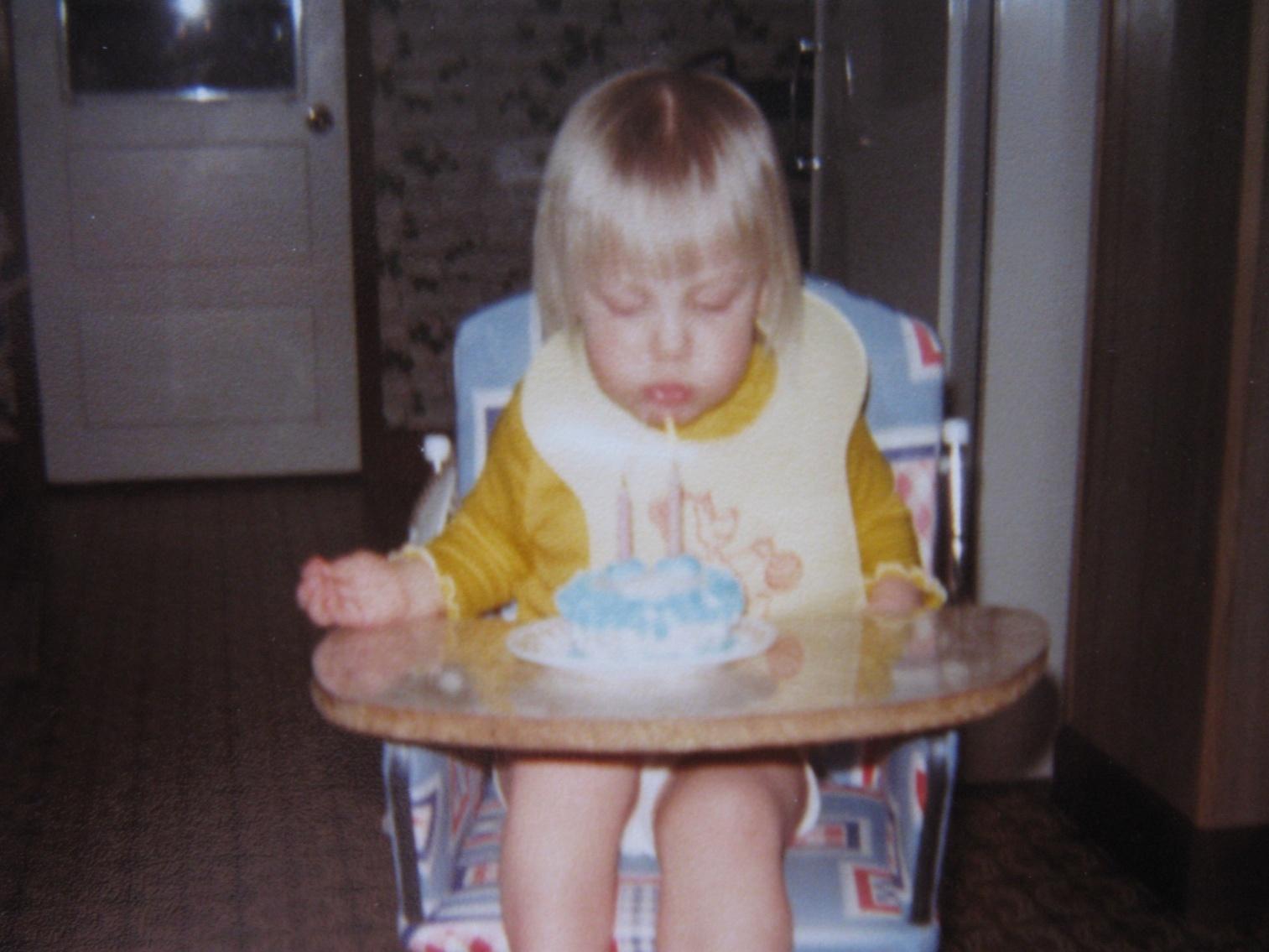 http://3.bp.blogspot.com/-94G5AQmjTPM/TZPe91uuDjI/AAAAAAAABes/yTW5c7GZ2IE/s1600/birthday2.jpg