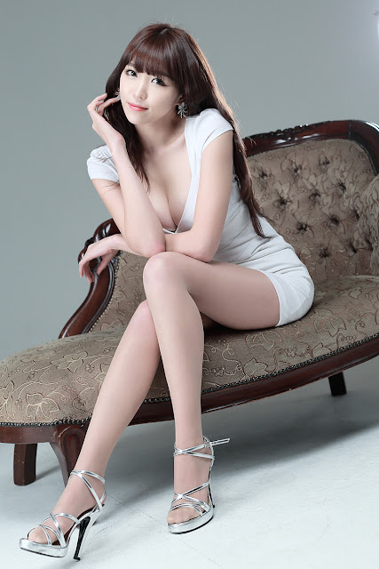 Lee Eun Hye Sexy in White Dress