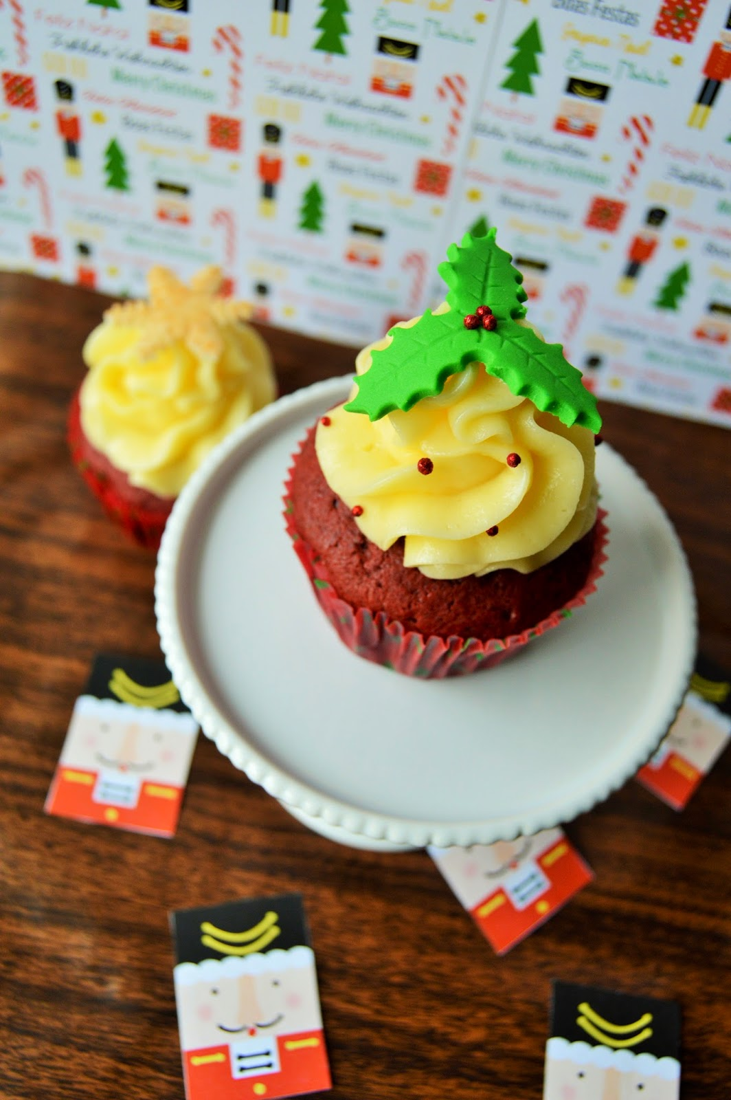 red-velvet-cupcakes-navidad-mexico-queso-cream-cheese-frosting