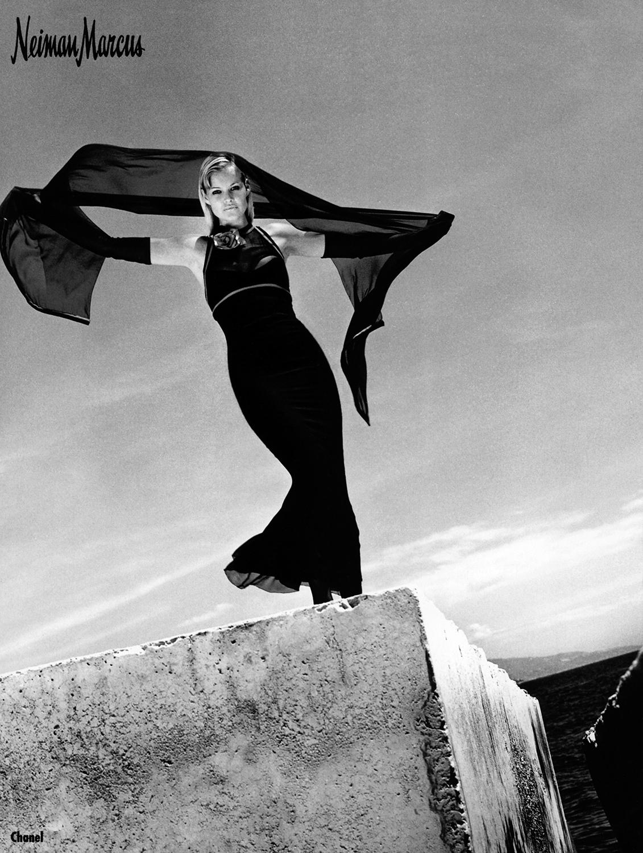 La Vie en Pose: The Art of Fashion by Helmut Newton