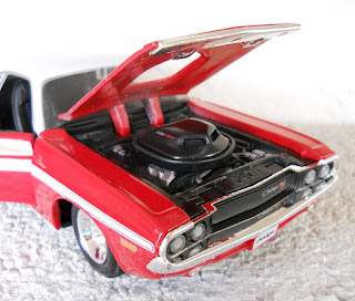 dodge challenger coupe maisto escala 1:24